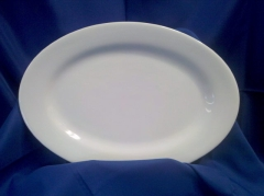 Where to rent PLATTER, PORCELAIN OVAL - SM in Omaha NE