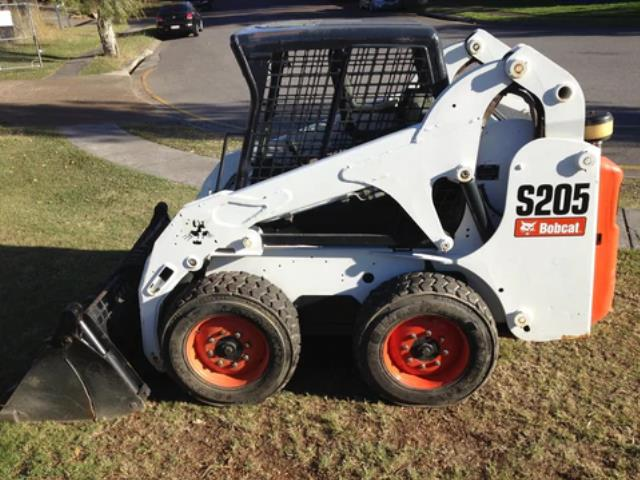 Where to find SKIDSTEER LOADER S205 in Omaha
