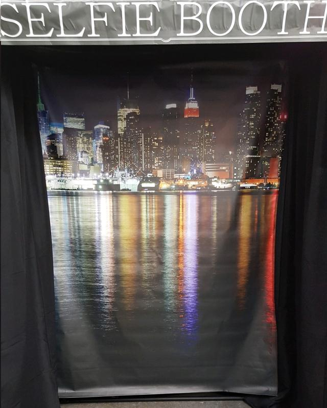 Selfie Booth W Backdrop Rentals Omaha Ne Where To Rent