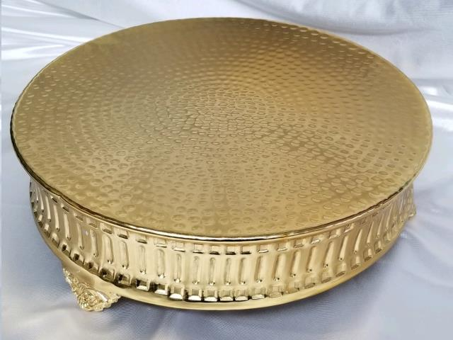 Where to find HAMMERED GOLD 16  Rd Ribbed Cake Stand in Omaha